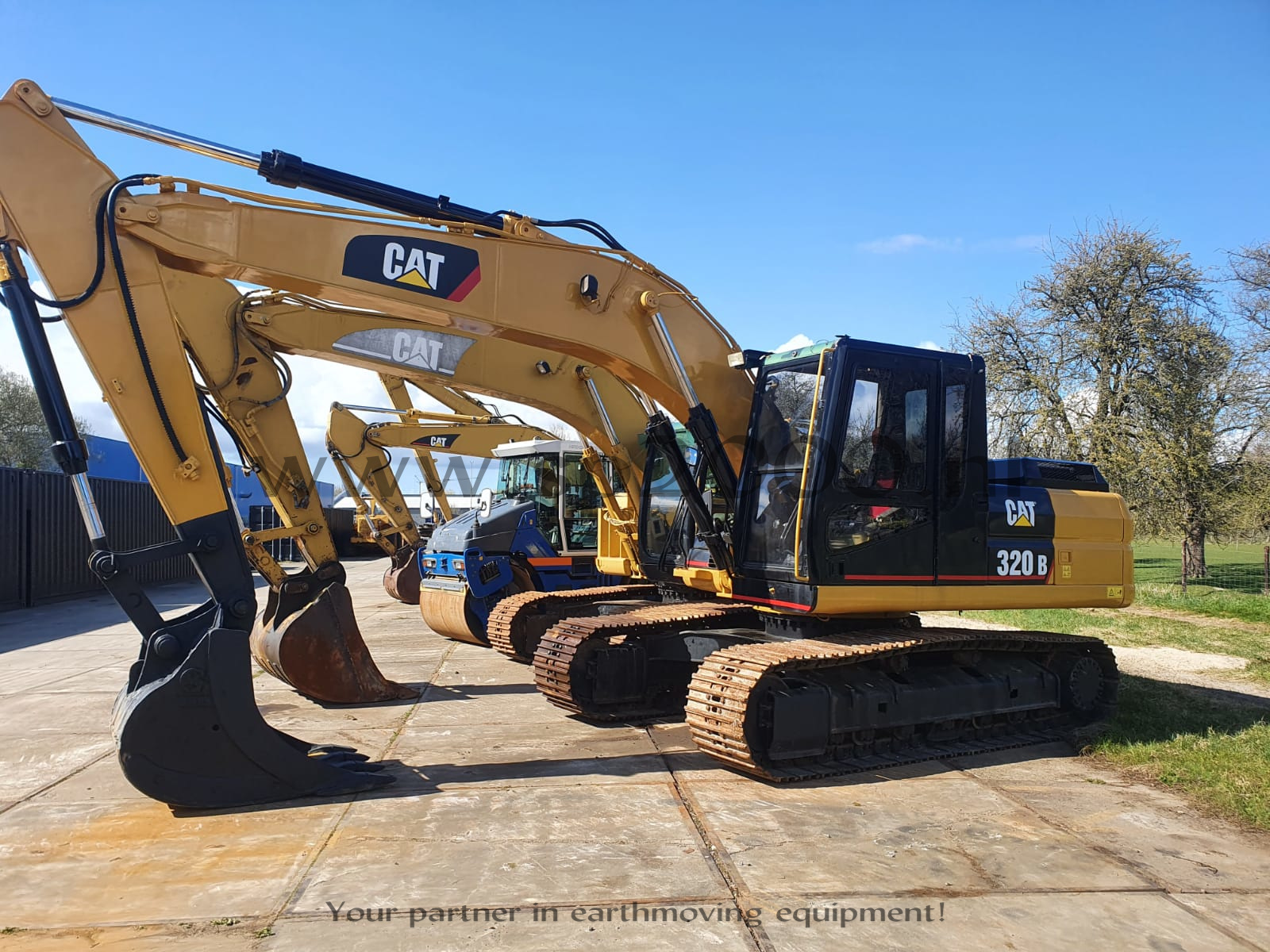 Caterpillar 320B Track excavator