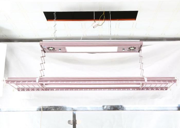 M06 - Smart Hanger Model 06