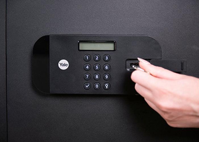 YSEB/520/EB1 - Yale High Security Large Safe - Yale High Security Motorised Safes