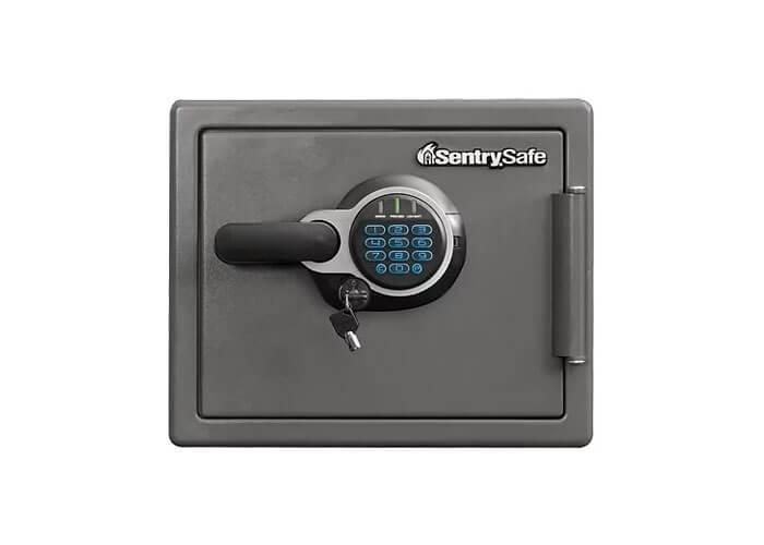 SentrySafe - SFW082GTC - Digital fire & water proof Safe