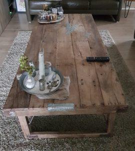 Robuust houten salontafel bij Verschoor Wonen