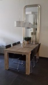 Oude landelijke tafel
