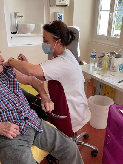 Campagne de vaccination contre la COVID 19 à Saint Joseph Seniors