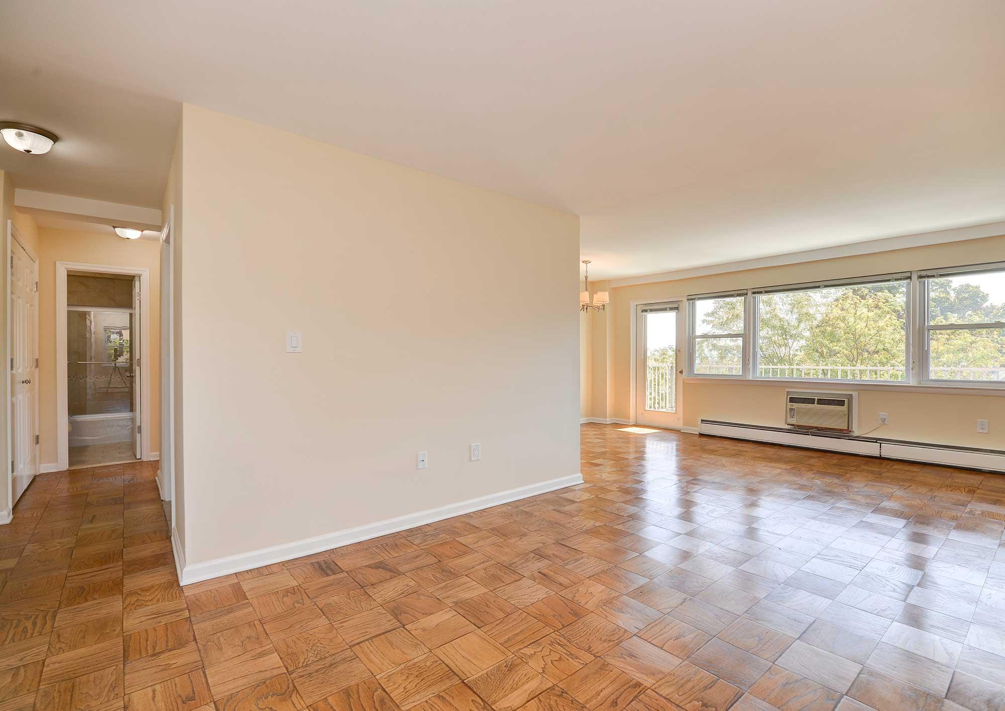 One bedroom floorplan 3