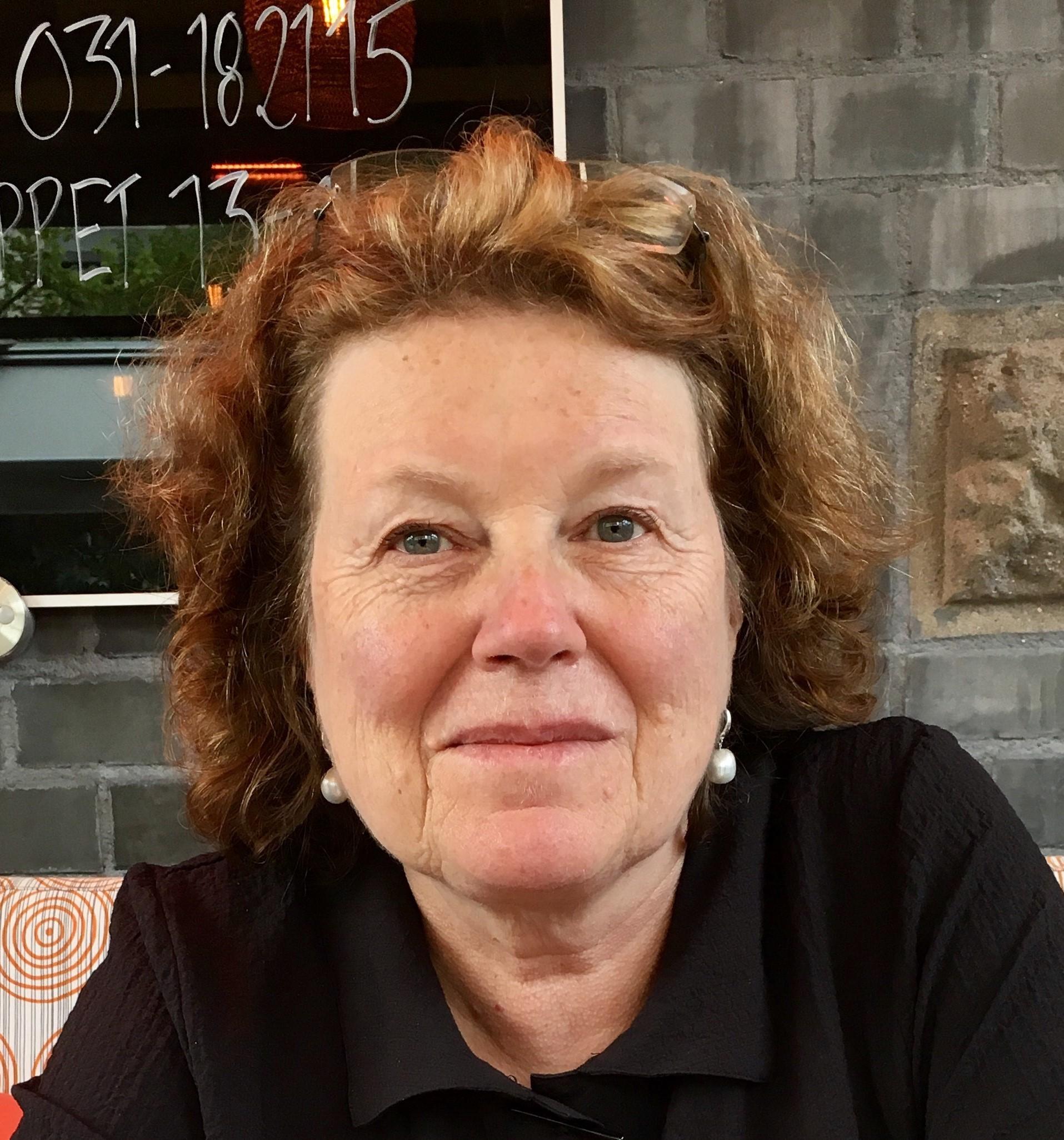 Leslie A Leinwand