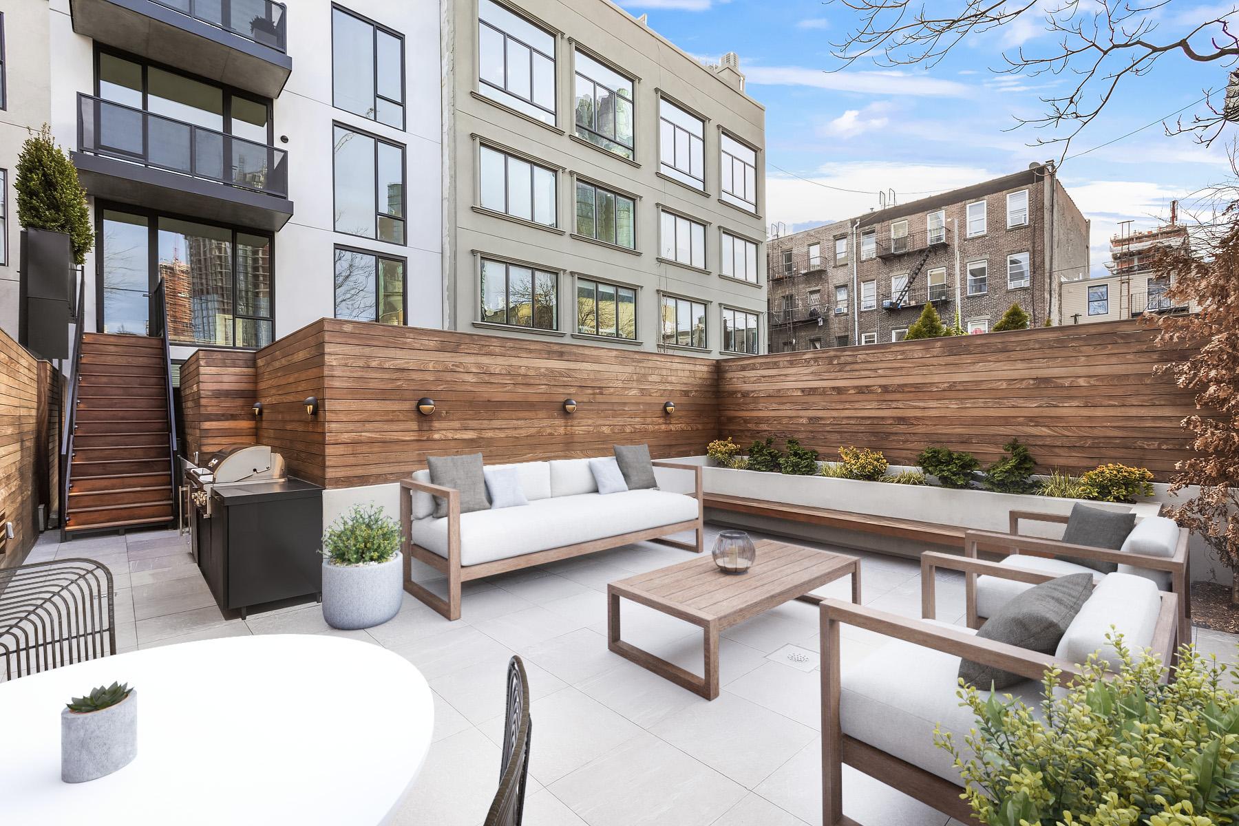 83 Eagle patio