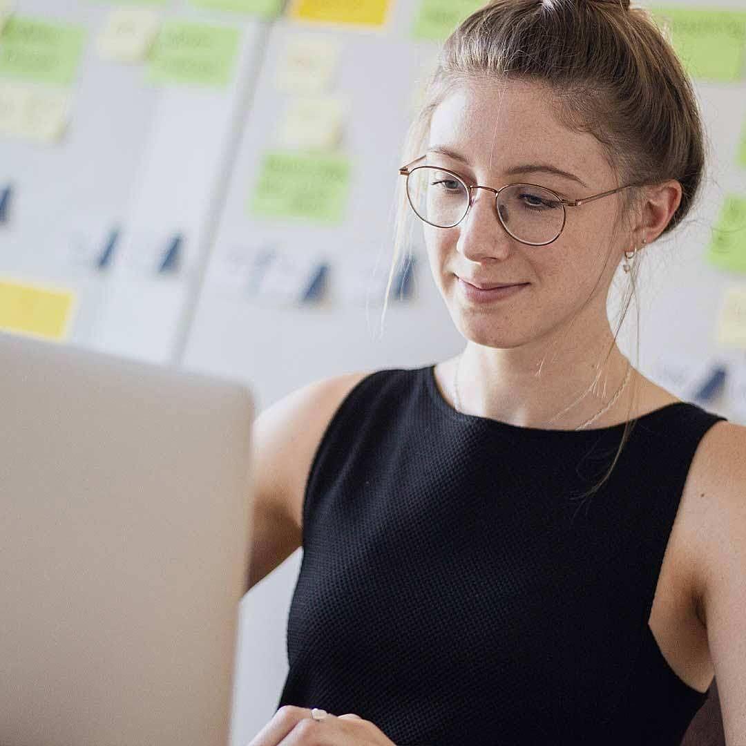 Teamvorstellung: Kathrin unsere Online-Marketing Managerin