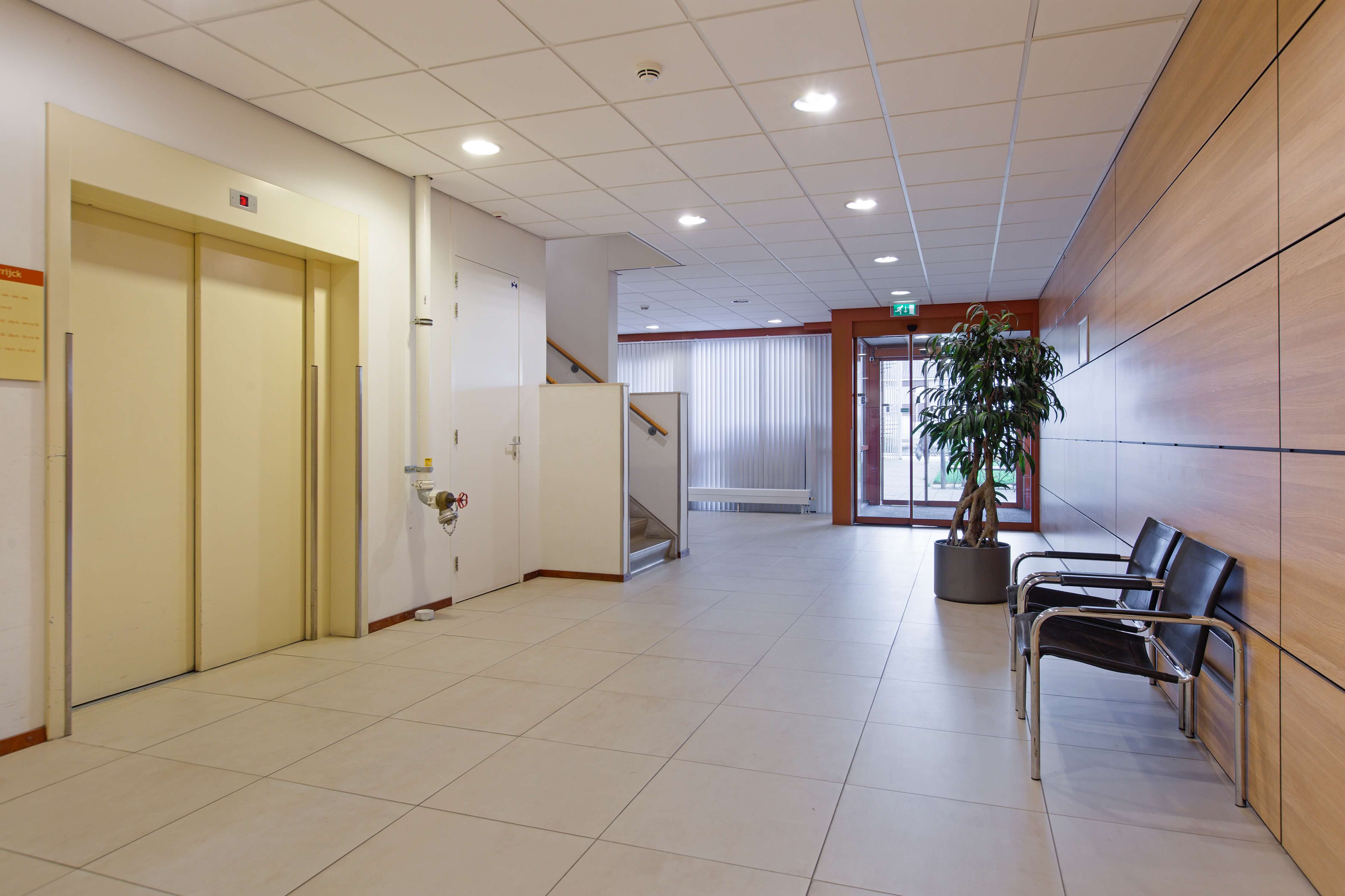 Te koop appartement Heemskerk Lessestraat Heemskerk centrale hal - Huisinzicht