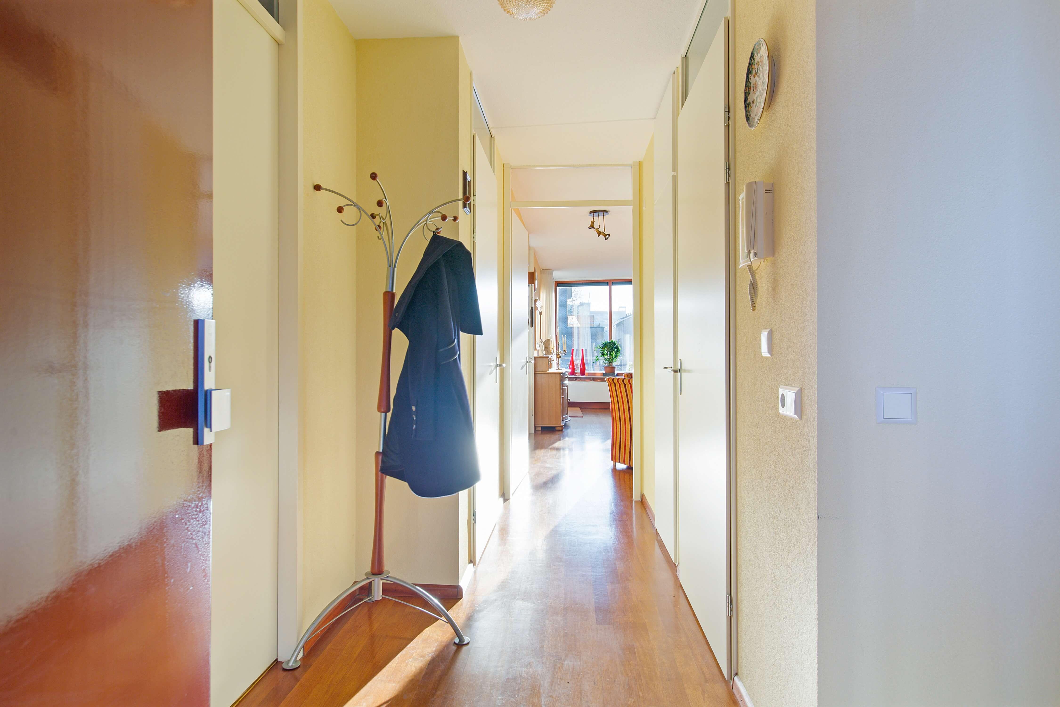Te koop appartement Heemskerk Lessestraat Heemskerk hal - Huisinzicht