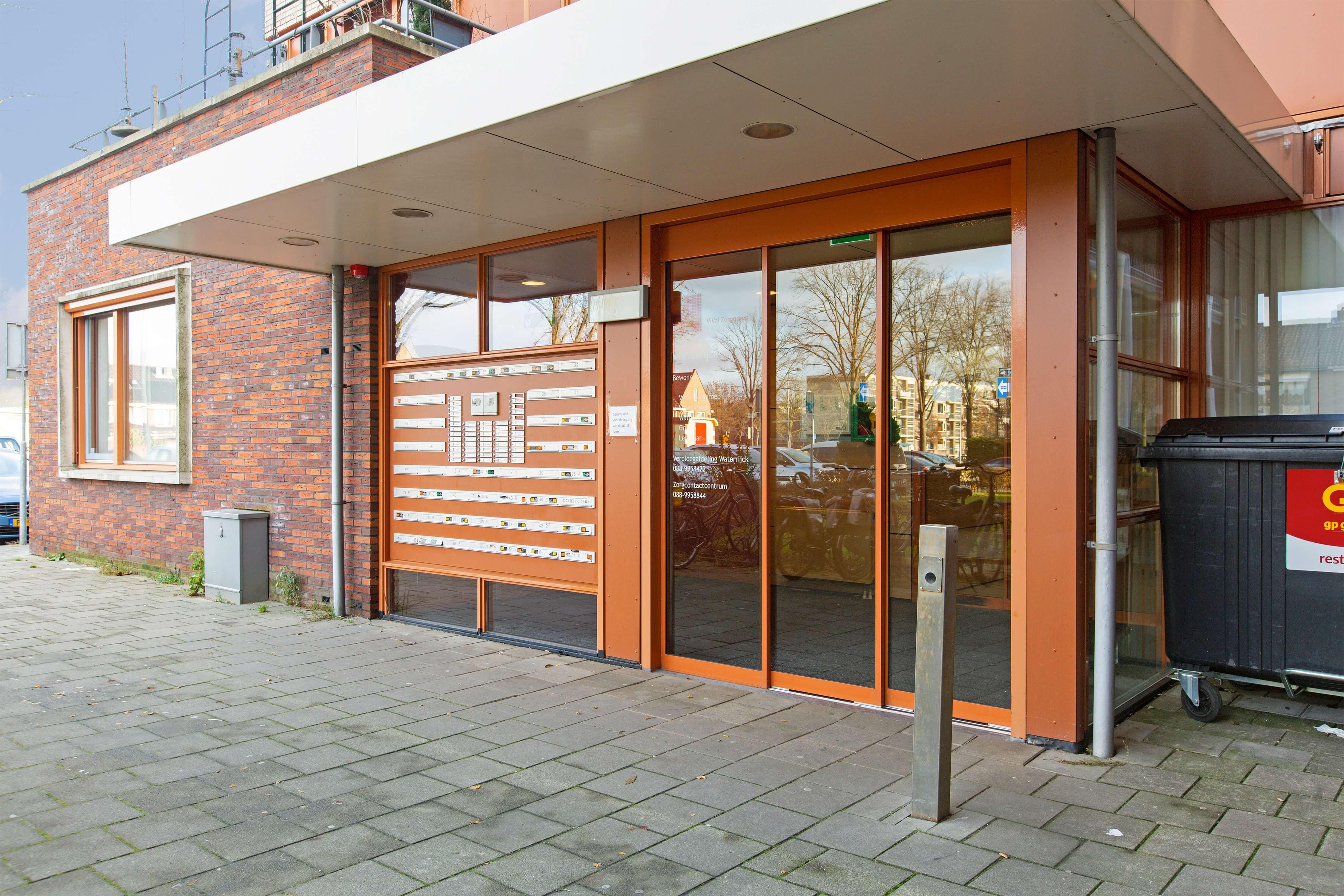 Te koop appartement Heemskerk Lessestraat Heemskerk centrale entree- Huisinzicht