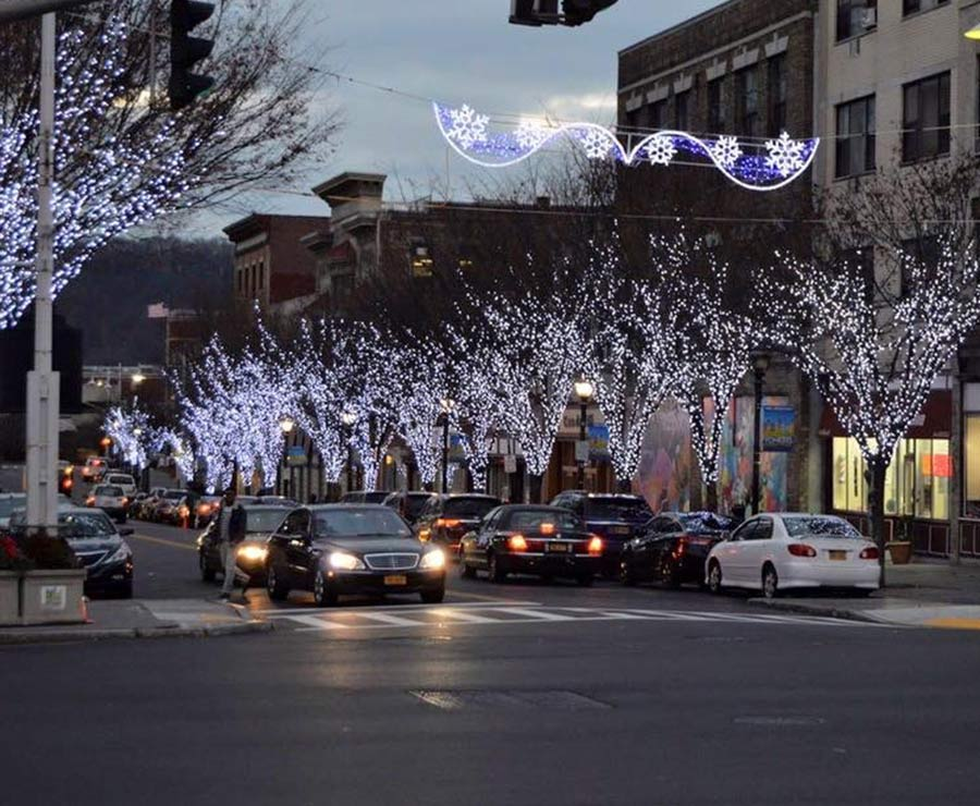 Downtown Christmas lighting by NY Landscape Lighting
