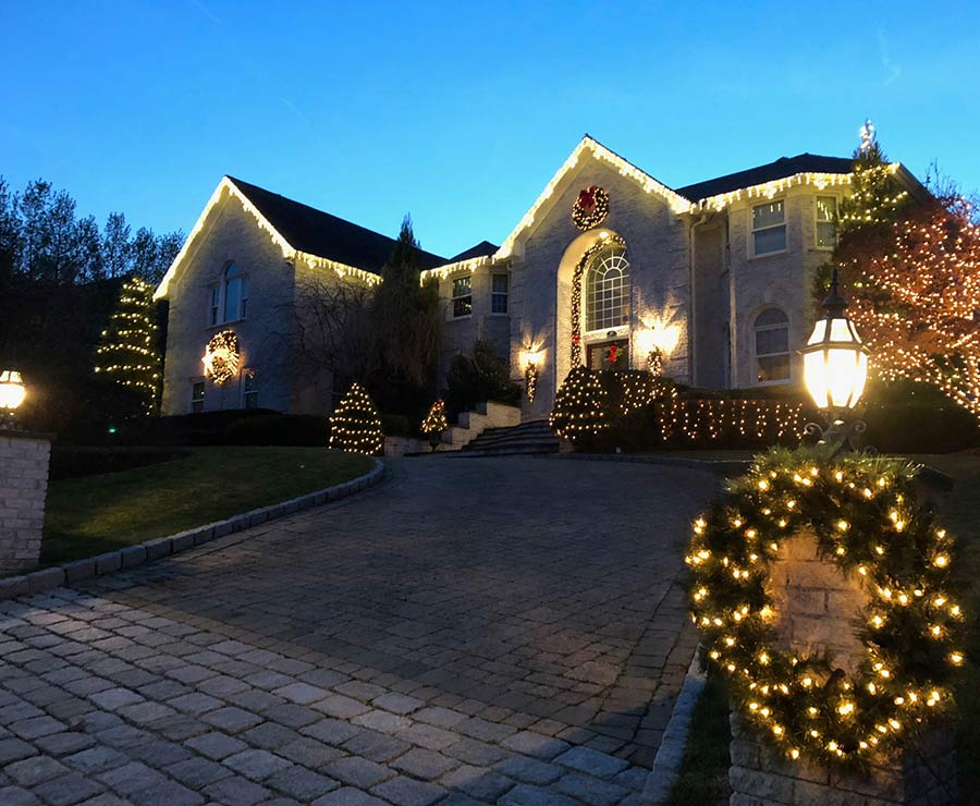 Residential Christmas lighting in Westchester
