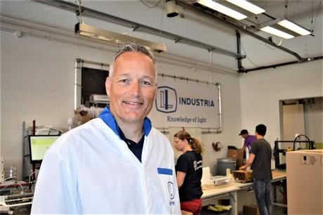Ferry Breeuwer van Industria Lighting startte in mei 2018 samen met Richard Schmidt de ontwikkeling van een nieuw armatuur voor de glastuinbouw.
