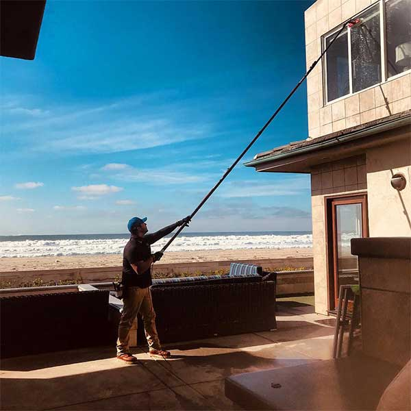 Residential window cleaning in San Diego,CA