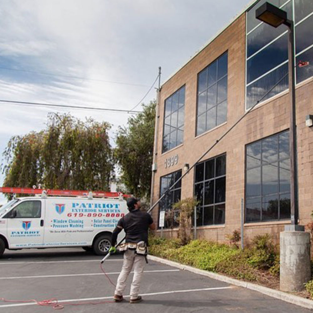 Commercial window cleaning in San Diego