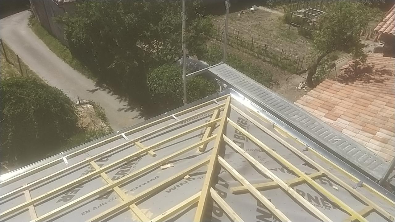 Rénovation toiture et zinguerie à Biras 2/2
