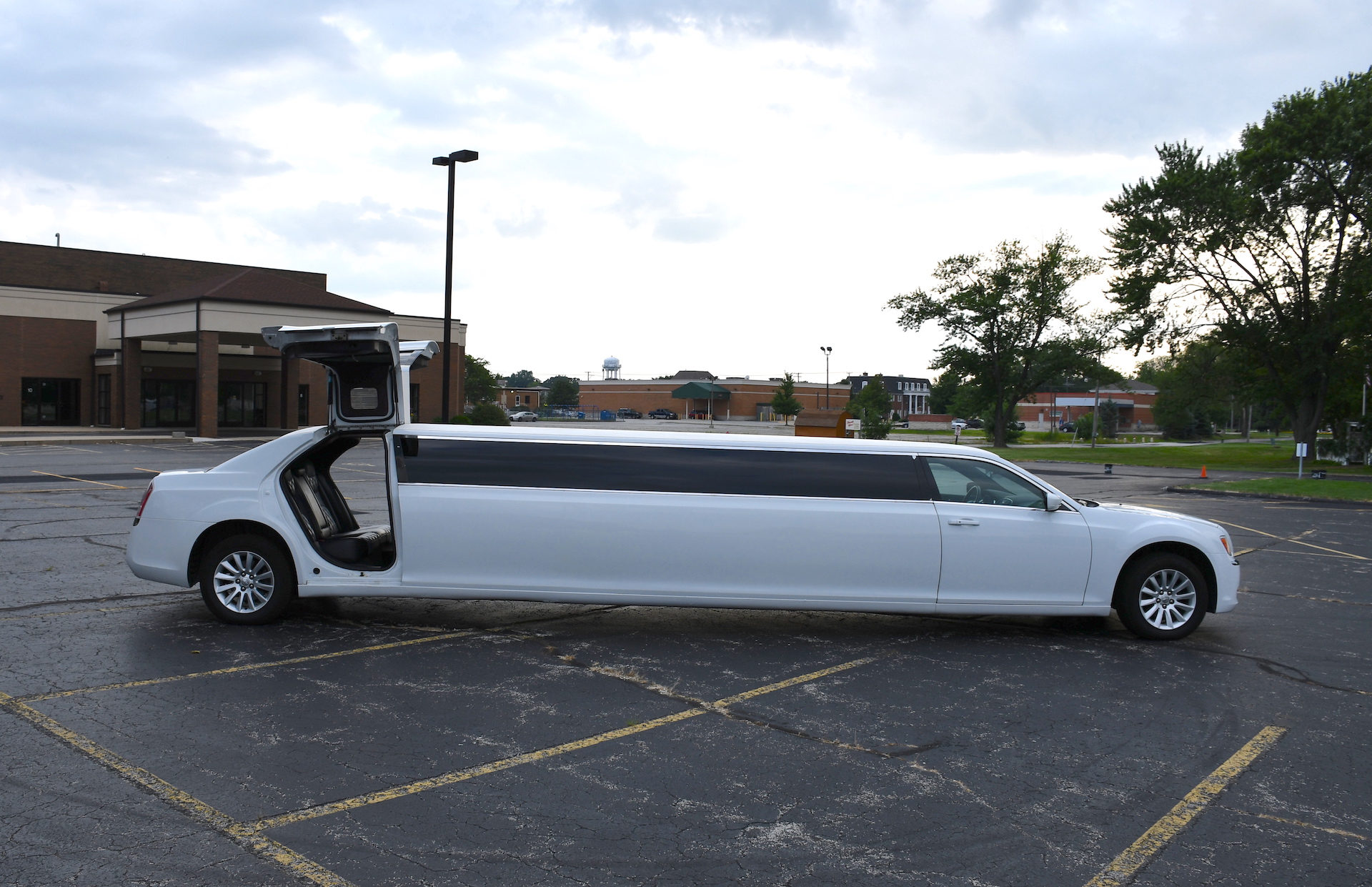 Chrysler 300 provided by A Stars Limo