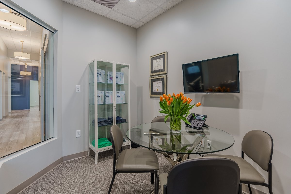 Pearl Dental Studio consultation room