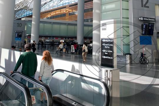 construcción aeropuertos y centros comerciales