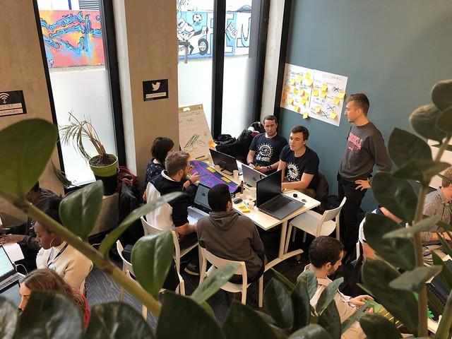 A team strategizing at Hack the Road Nantes