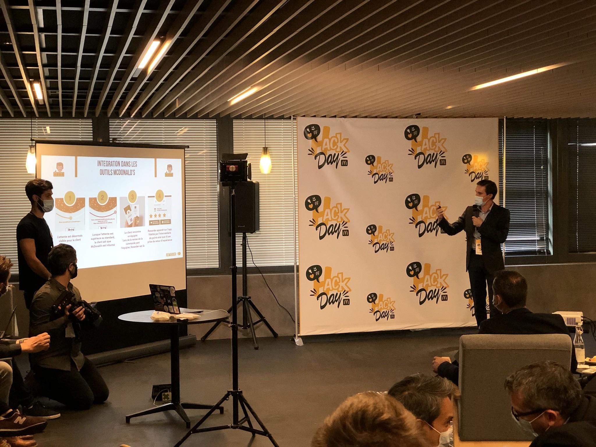 Presentation at Hack Day from BeMyApp