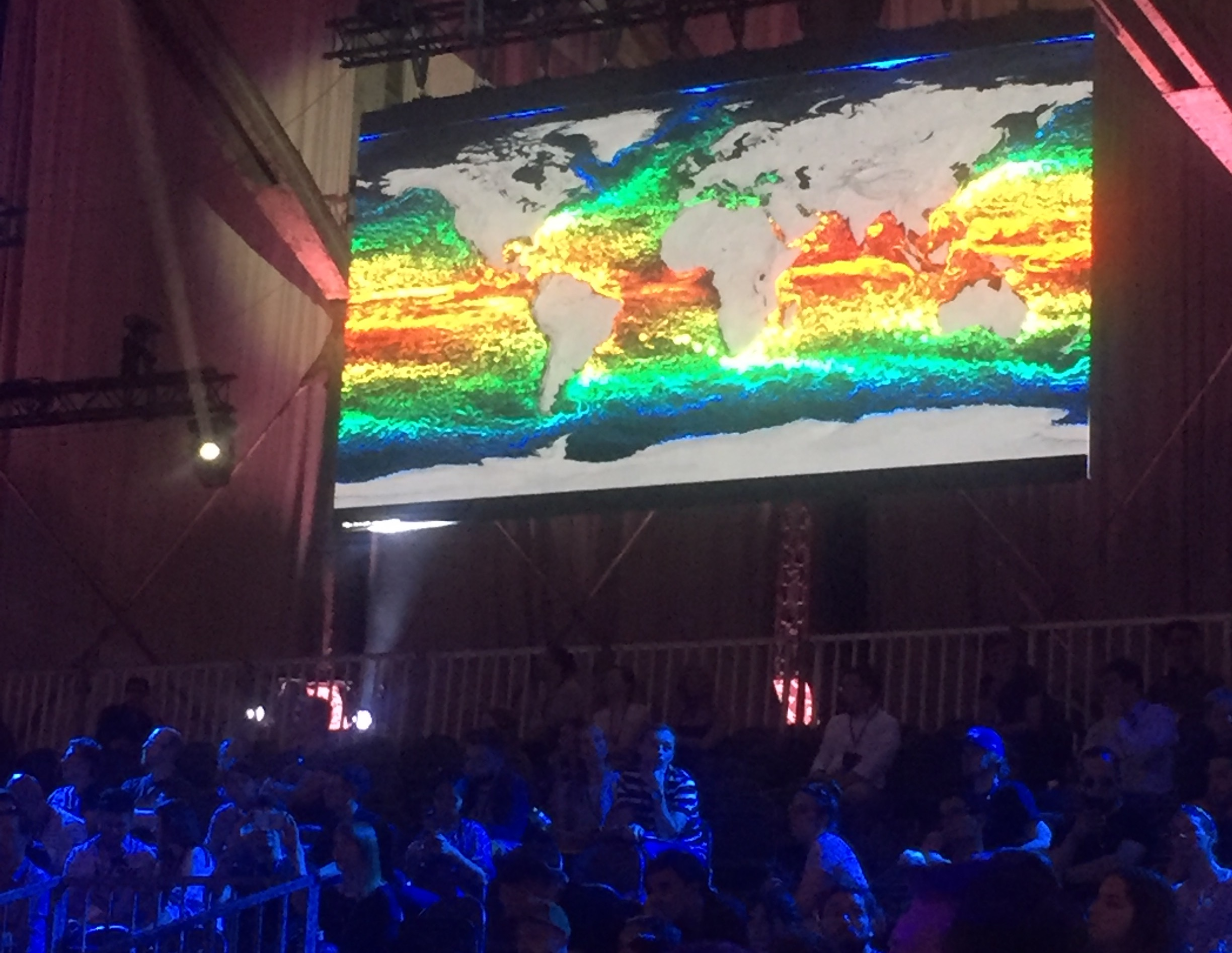 Image of heat map of the world from space