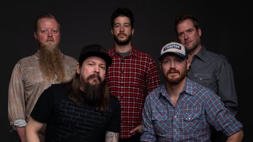 Calvin and the Coal Cars : Live Outside the Filling Station