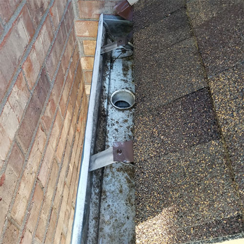gutter cleaning project in erie