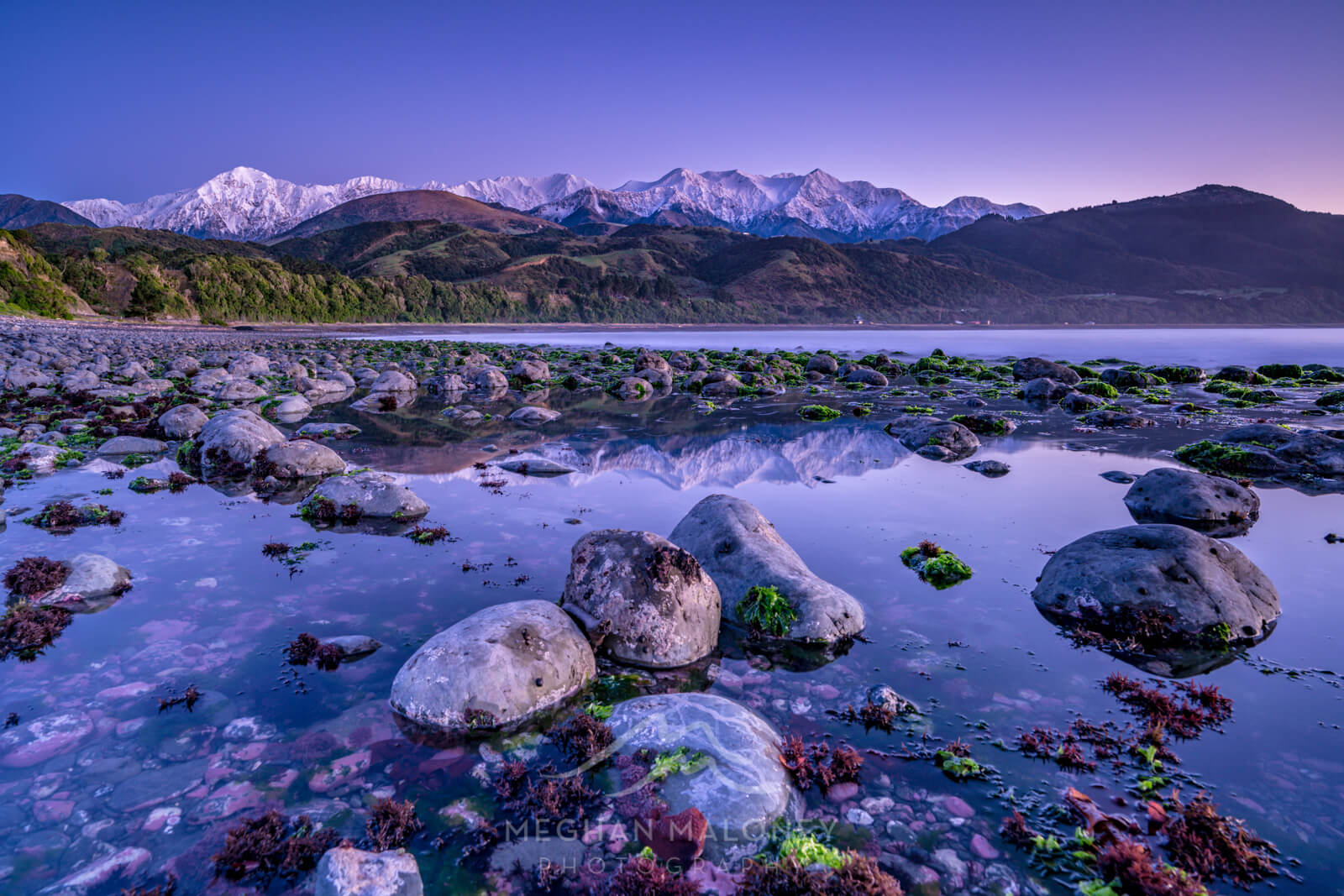 kaikoura mountains reflection beach