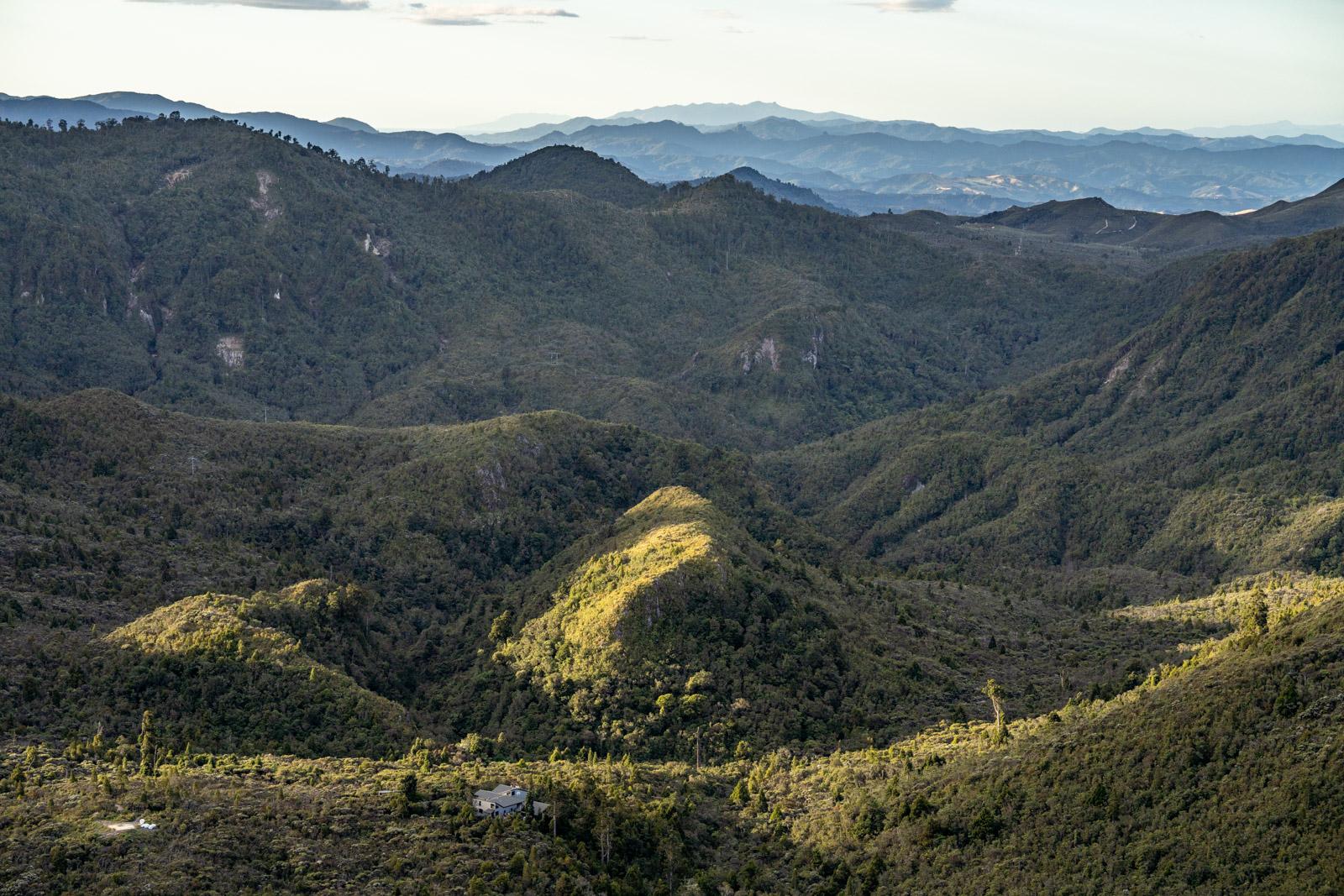 Pinnacles Summit Hut