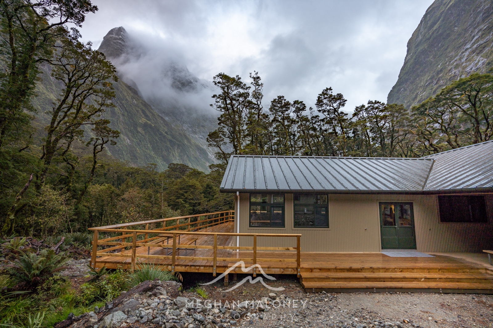 new mintaro hut milford track