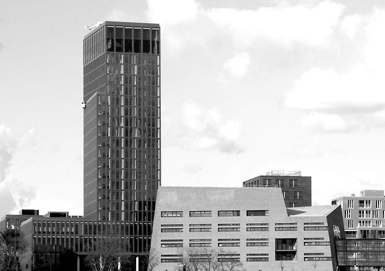 Bronze-Glas-Fassade Empire Riverside Hotel Hamburg Witte Projektmanagement