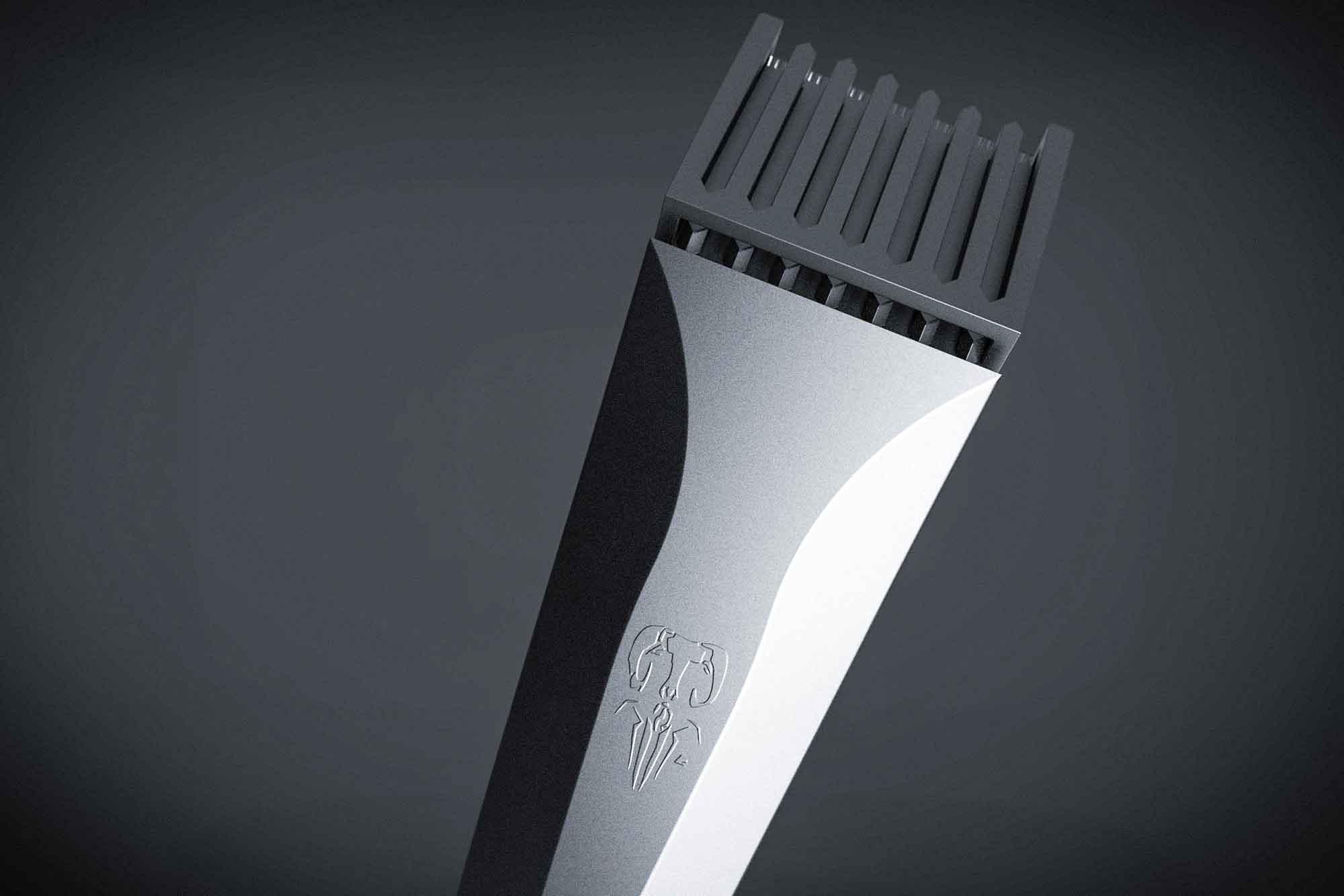 The beard trimmer features a flush guard that disappears completely when not in use.