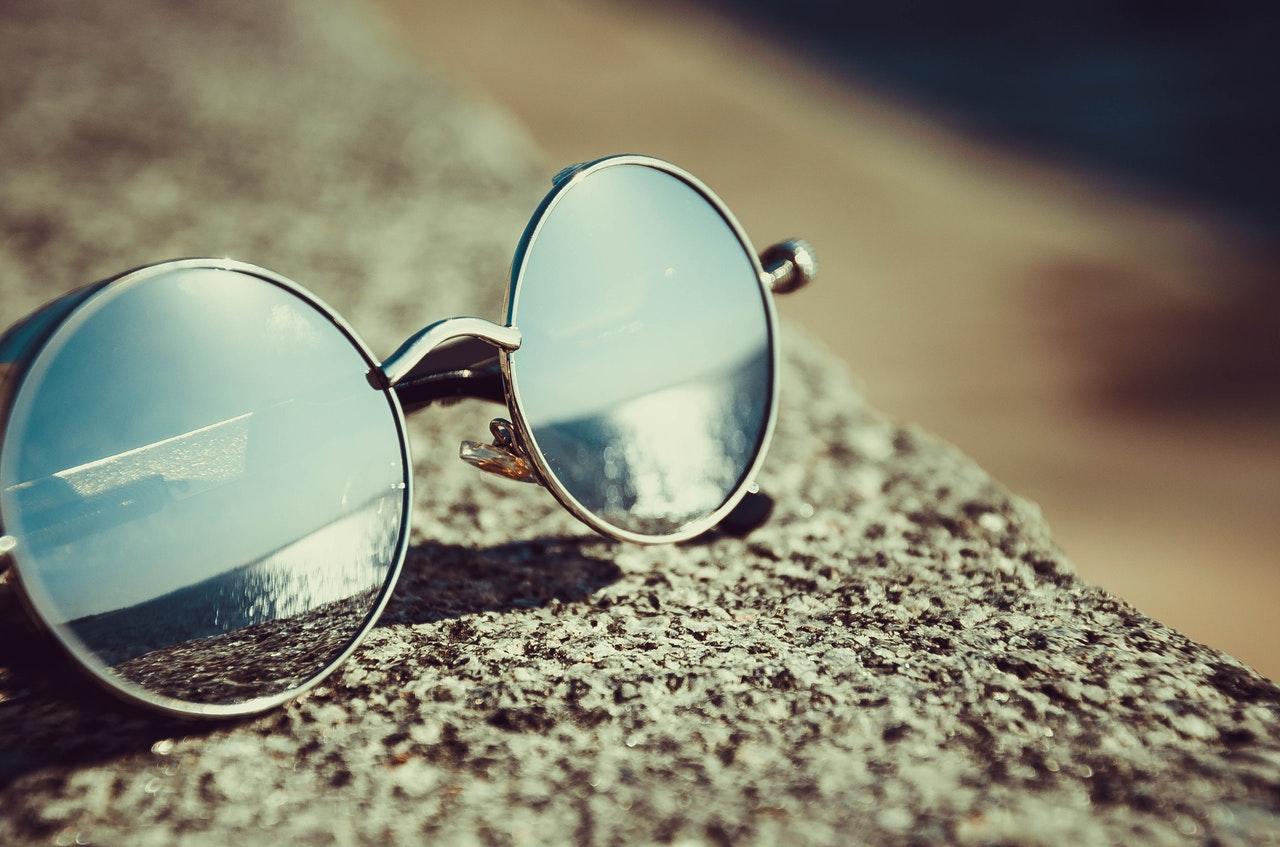 Glasses with reflection