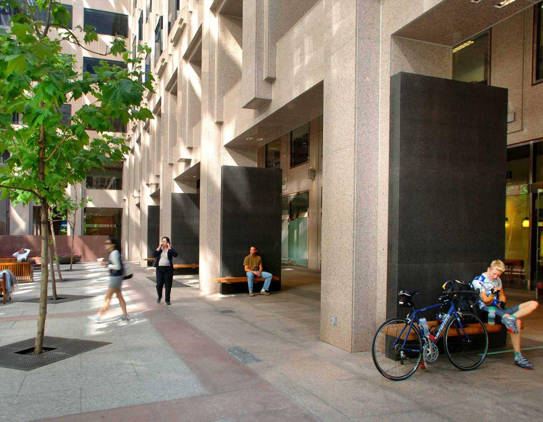 455 Market Street Courtyard