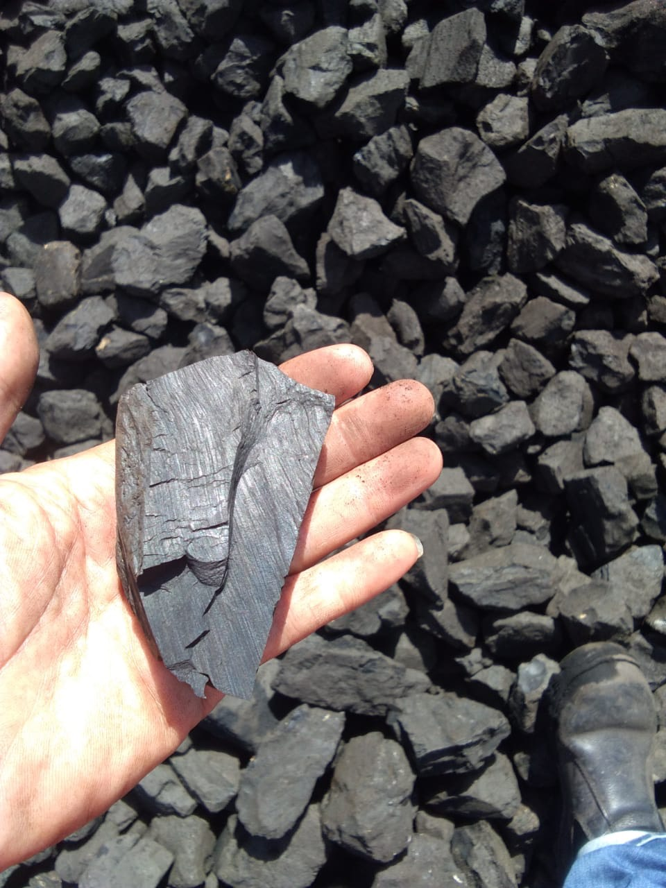 than đá có thành phần gì
