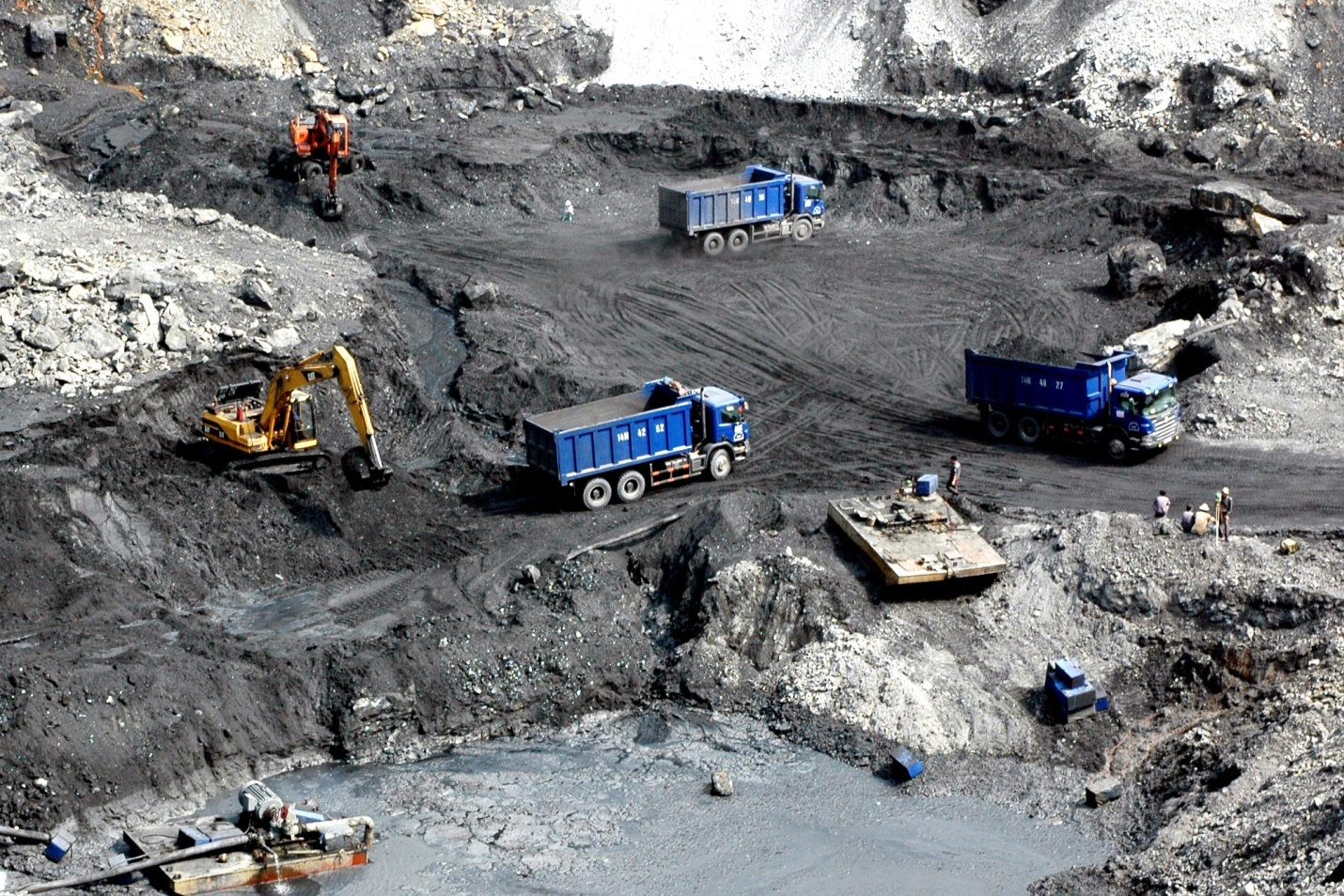 lec group cung cấp than đá cho sản xuất điện