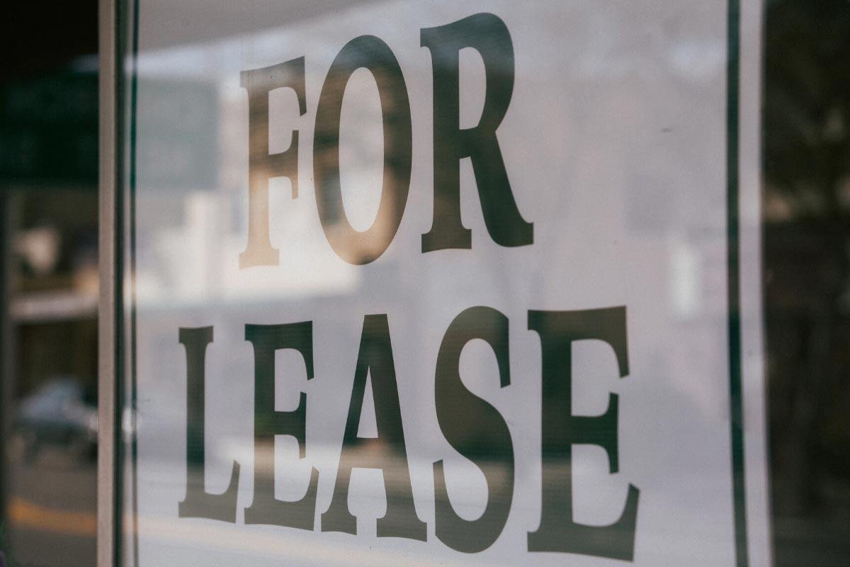 Signing a Commercial Lease Agreement