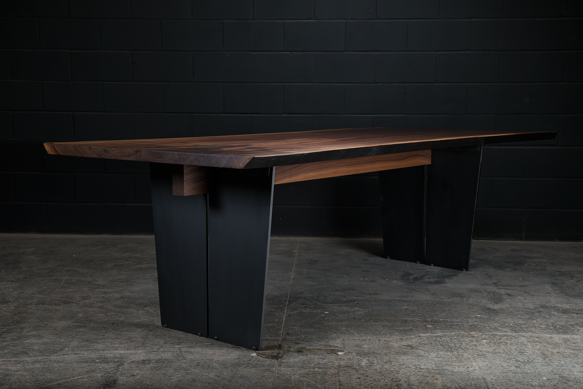 Cadelon Dining Table