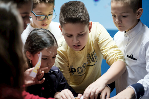 Kids reading clues