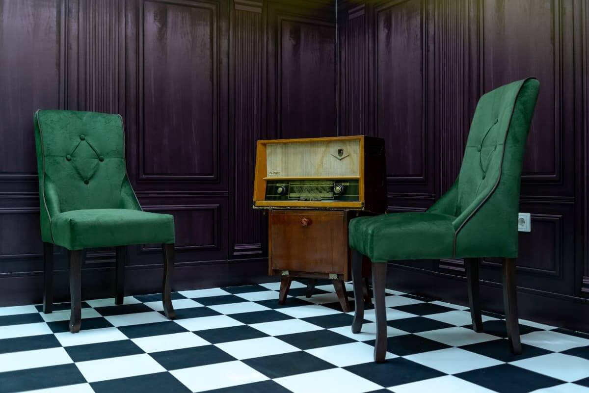 Vintage radio and chairs