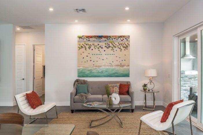 100 2711 Blossom Dr Living Room