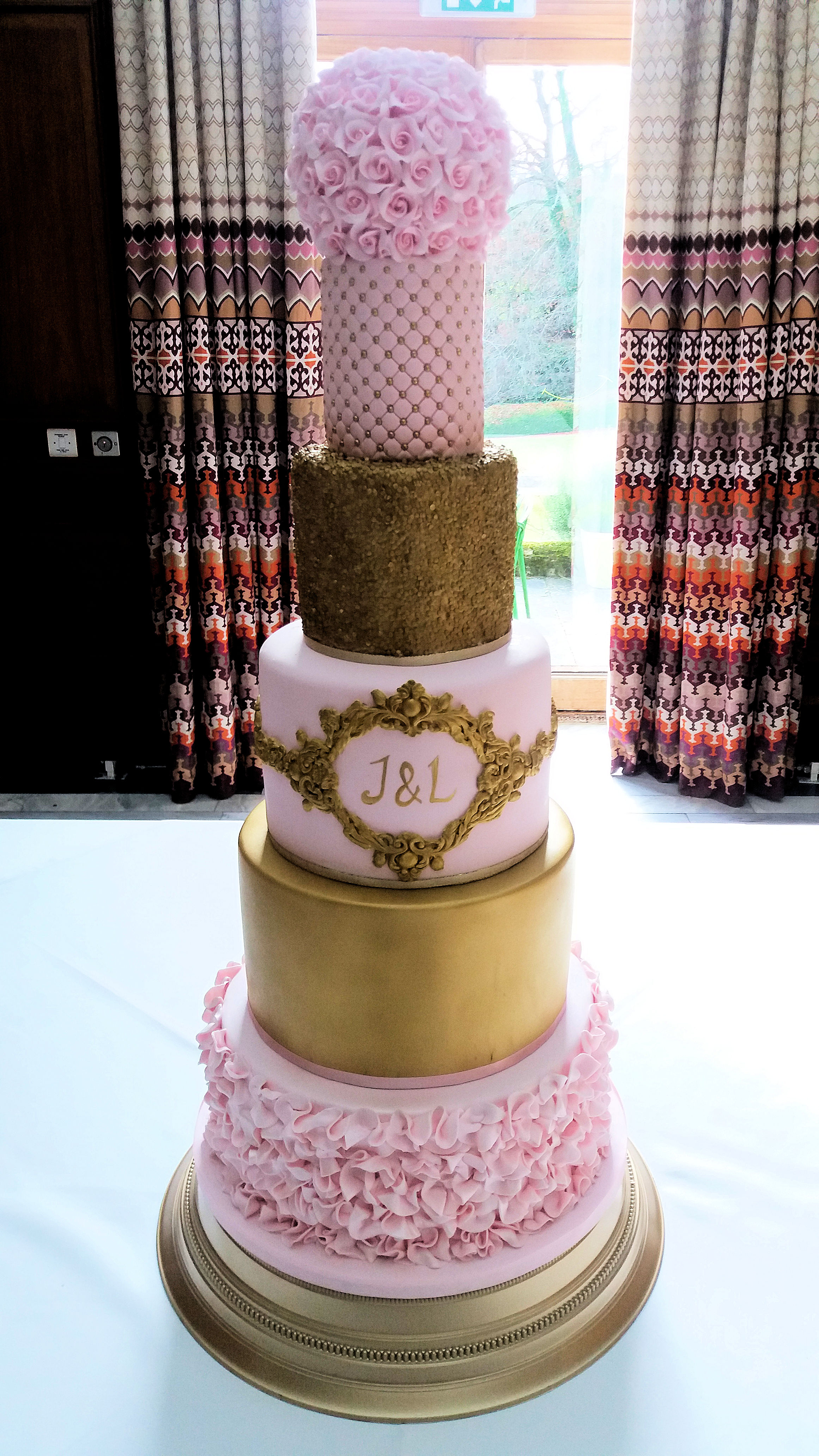 pink and gold weddding cake 6 tiers