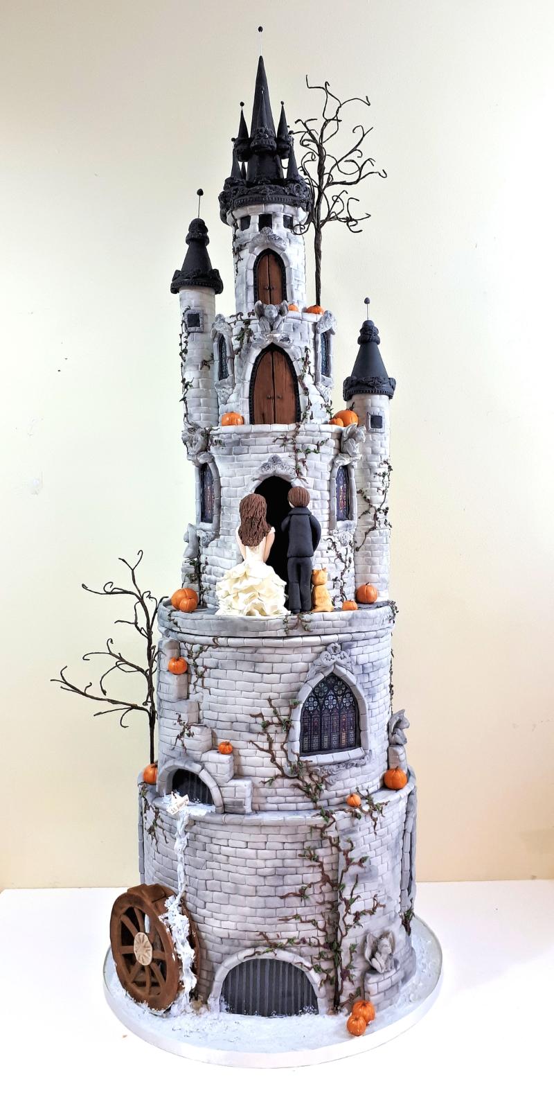 Gothic Castle Wedding Cakw