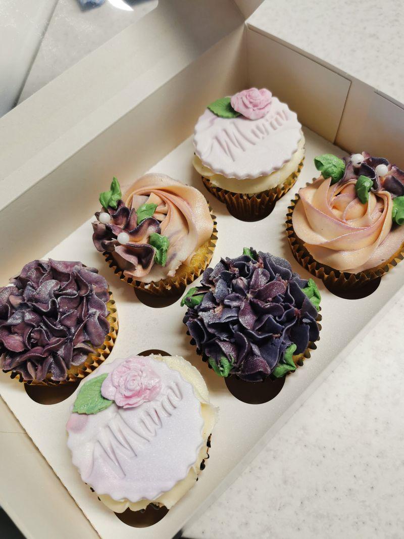 Majestic Mum Cupcakes