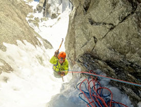 Tom on the Top pitch of the 'Modica-Noury' III,5+,TD+, Mt.Blanc Tacul East Face