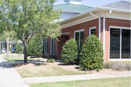 outside view of messenger family dental office