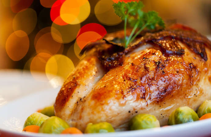 Christmas Sharing provides a food box to allow low income families to enjoy a festive Christmas dinner. Click 'Learn More' to see upcoming dates.