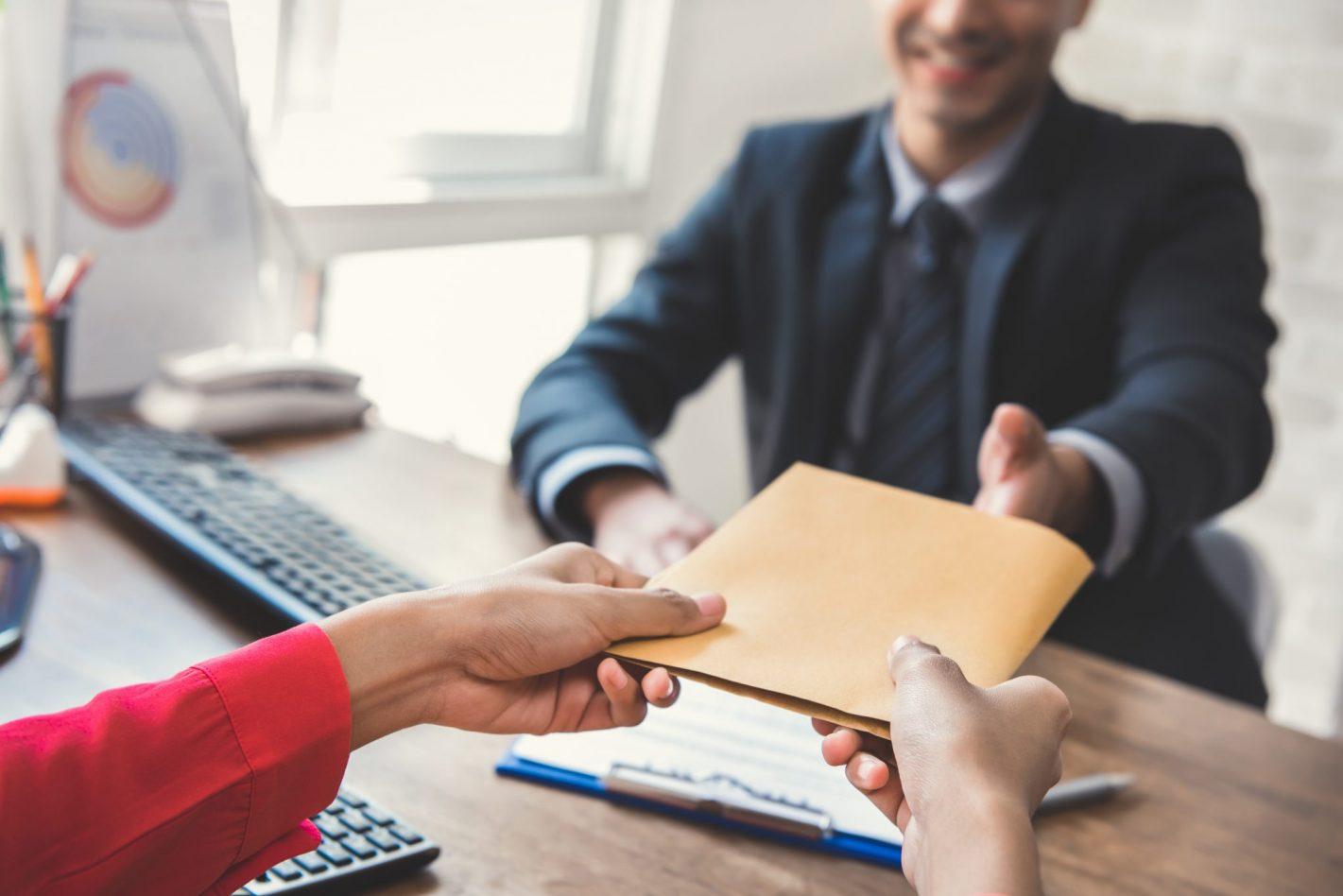 ¿Qué papeles debes pedir al comprar un inmueble?