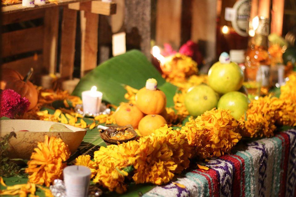 En el altar del Hanal Pixán también se suelen poner frutas de la época.